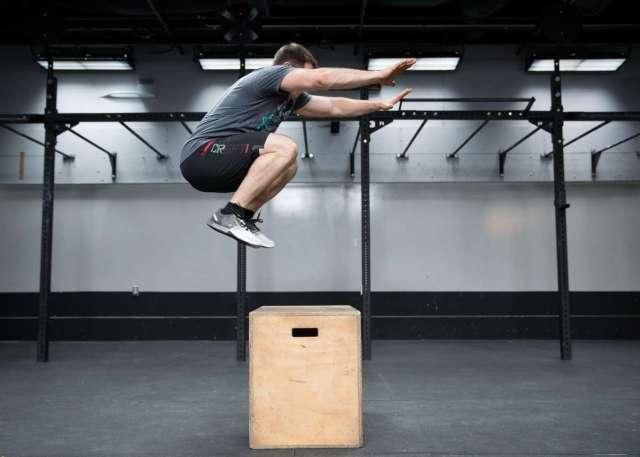 Resultado de imagen de jump over the box
